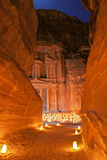 Treasury Lit by Candles at Night, Petra, Jordan, Middle East Papier Photo par Neil Farrin