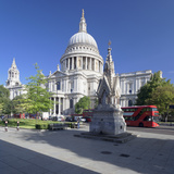 St Paul's Cathedral  and Red Double Decker Bus  London  England  United Kingdom  Europe