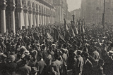 Visions of War 1915-1918: Crowd Gathered in Piazza Duomo in Milan