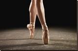 Ballerina Balancing En Pointe