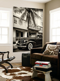 Classic Antique Car of Art Deco District - Park Central Hotel on Ocean Drive - Miami Beach