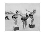 Joan Crawford und Dorothy Sebastian beim Schwimmunterricht  1927
