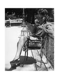 Pariserin auf einer Parkbank  1942