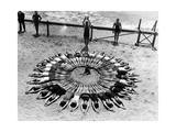 Formation am Strand in den USA  1927