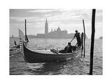 Gondoliere vor San Giorgio Maggiore in Venedig  1939