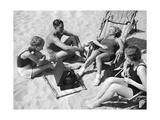 Badegäste hören Musik  1938
