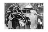 Ein stromlinienförmiger Lastwagen auf der London Motor Show  1933