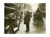 Verkehrspolizist in Paris  1930er Jahre