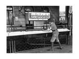 Waschgelegenheit an einem Bahnhof  1914