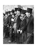 Schüler der Privatschule Westminster als Zuschauer eines Fußballspiels in London  1931