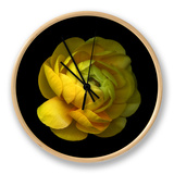 Ranunculus Close-Up Horloge par Magda Indigo