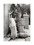 A Young Woman Carrying a Roman Vase on Her Shoulder  1902-1903