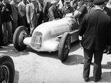 Mercedes-Benz W25 at the French Grand Prix  Montlhery  1934