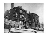 The Crown and Sceptre Inn in Greenwich  London  1926-1927