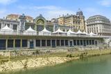 Río Nervión Y La Estación De Tren De Abando  Bilbao (España)