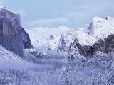 California  Sierra Nevada  Yosemite National Park  Yosemite Valley in Winter