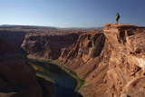 Arizona  Tourists at Overlook to the Colorado River at Horseshoe Bend