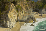 Mcway Falls  Julia Pfeiffer Burns State Park  Big Sur  California  USA