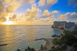Hawaii  Oahu  Waikiki  View of the Pacific Ocean and Waikiki Beach During Sunset