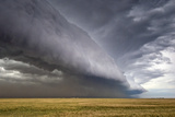 A Supercell Thunderstorm Produces a Spectacular Shelf Cloud over Cropland