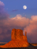 Monument Valley at Sunset  Utah  Usa