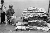 Man Pavement Book Seller  Mohammed Ali Road  Mumbai  Maharashtra  India  1976