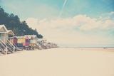 Beach Huts in England Reproduction d'art par Laura Evans