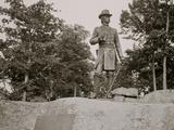 Statue of General Warren  Gettysburg  Pa
