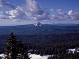 Cascadian Peaks in Line