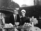 Charade De Stanleydonen Avec Cary Grant Et Audrey Hepburn (Tenue Givenchy) 1963