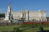 Buckingham Palace and the Queen Victoria Monument  London  England  United Kingdom