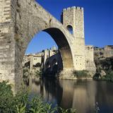 Medieval Bridge  Besalu  Catalunya (Costa Brava)  Spain