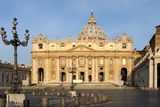 St Peters and Piazza San Pietro in the Early Morning  Vatican City  Rome  Lazio  Italy
