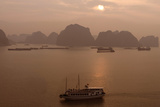 Sunrise at Halong Bay  UNESCO World Heritage Site  Vietnam  Indochina  Southeast Asia  Asia
