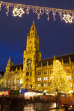 Christmas Market in Marienplatz and the New Town Hall  Munich  Bavaria  Germany  Europe