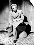 Seven Sinners  Marlene Dietrich  in a Beige Wool Suit  1940
