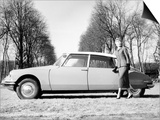 Model with a 1957 Citroen Id 19  C1957