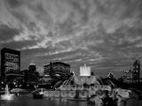 Buckingham Fountain and City Skyline  Chicago  Illinois  USA