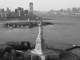 Statue of Liberty (Jersey City  Hudson River  Ellis Island and Manhattan Behind)  New York  USA