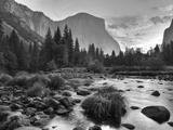 Early Sunrise  Yosemite  California  USA