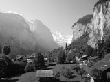 Lauterbrunnen and Staubbach Falls  Jungfrau Region  Swiss Alps  Switzerland  Europe