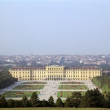Schonbrunn Palace in Vienna  17th Century