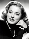 Eleanor Parker  Sporting the Five-Carat Emerald-Cut Diamond Engagement Ring