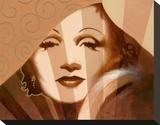 Marlene in T Limelight