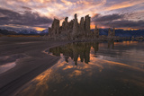 Tufas at Sunset on Mono Lake at Sunset  Sierra Nevada  CA