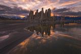 Tufas at Sunset on Mono Lake at Sunset  Sierra Nevada  CA