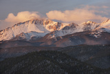 USA  Colorado  Pike NF Clouds over Pikes Peak at Sunrise