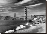 Golden Gate Bridge spanning San Francisco Bay