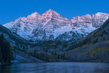 Usa  Colorado  Rocky Mountains  Aspen  Maroon Bells at Dawn