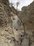 Tourists Climbing Down into Sesriem Gorge  Namib-Naukluft National Park  Hardap  Namibia